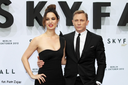 Daniel Craig i Berenice Marlohe na premierze filmu Skyfall w Berlinie